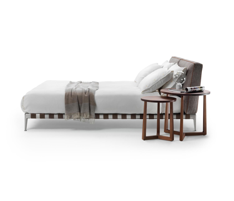 Flexform Gregory bed